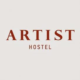 Логотип компании Artist Hostel на Казанском Вокзале